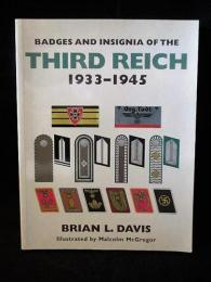 Badges and Insignia of the Third Reich 1933-1945  ペーパーバック洋書英語